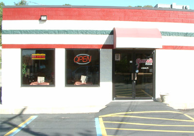 Giovannis Pizza Building